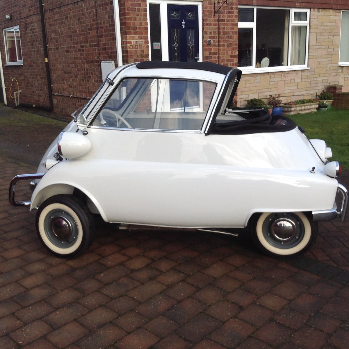 1957 Isetta Cabriolet  For Sale (picture 1 of 6)