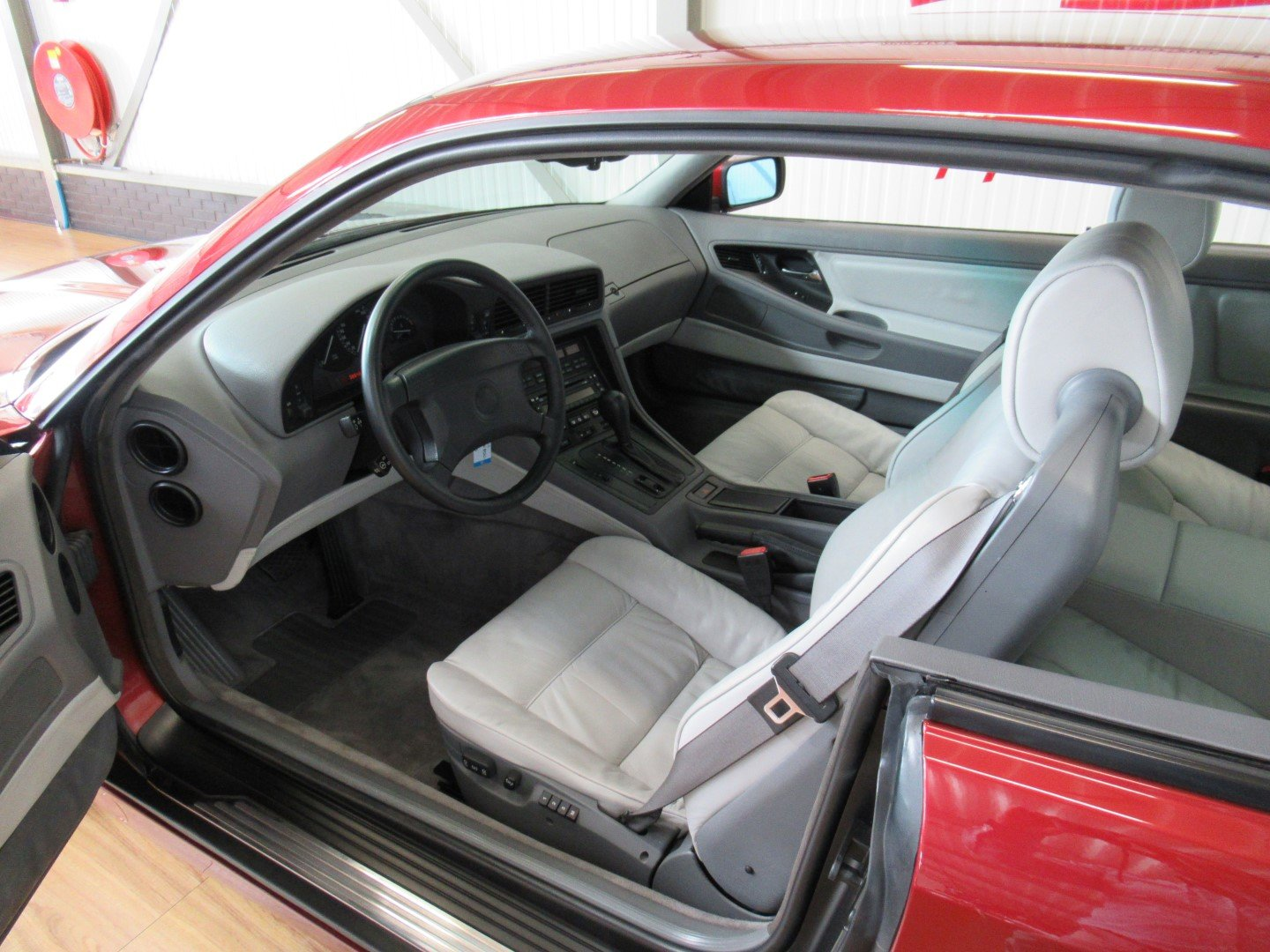 1992 BMW 850CI with just 66.000km!!! Calypso red For Sale (picture 4 of 6)