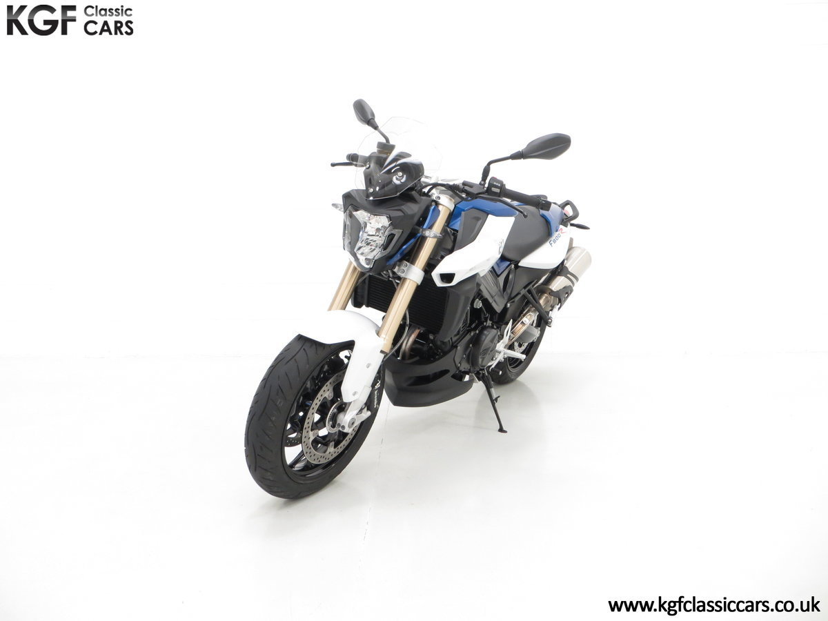 A Sleek 2016 BMW F 800 R with Just 80 Miles and One Owner For Sale (picture 2 of 6)