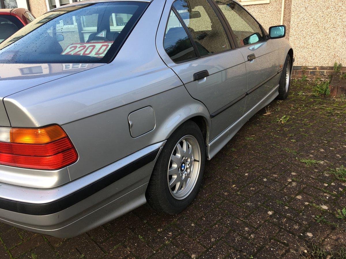 1998 BMW 318 auto Concorse  condition For Sale (picture 4 of 6)