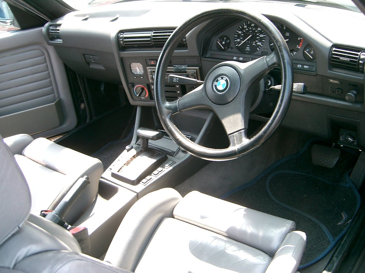 1992 BMW 318i Auto Convertible SOLD (picture 4 of 6)