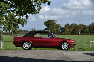 1993 BMW E30 Convertible 318i LUX Auto - just 81,000