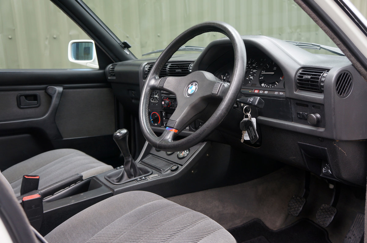 1990 BMW E30 320i Saloon, Manual, 120k, Restored & Upgraded. SOLD (picture 4 of 6)