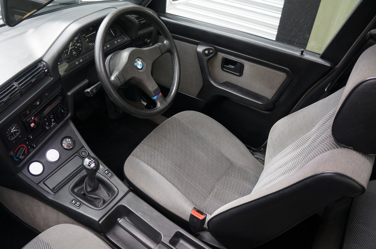 1990 BMW E30 320i Saloon, Manual, 120k, Restored & Upgraded. SOLD (picture 5 of 6)
