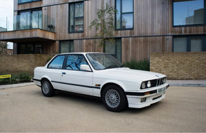 1991 BMW E30 318is SPORT