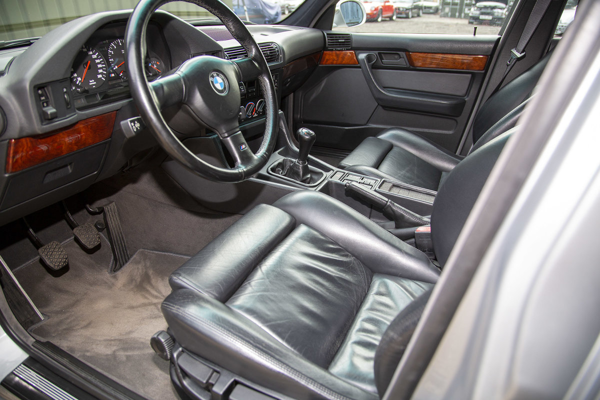 1992 BMW E34 M5 Touring For Sale (picture 4 of 6)
