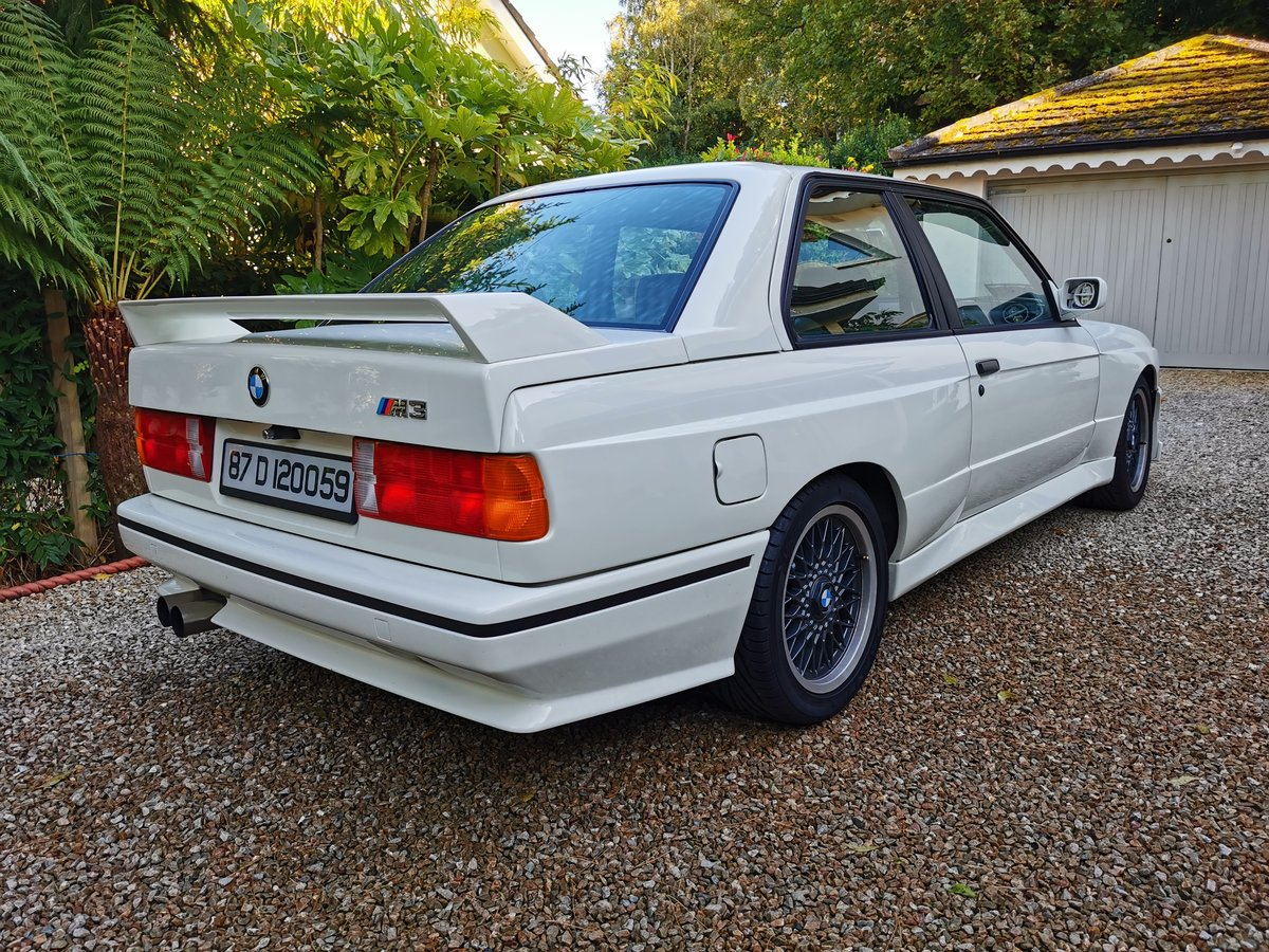 1987 BMW E30 M3 with Comprehensive History Stunning  For Sale (picture 3 of 6)