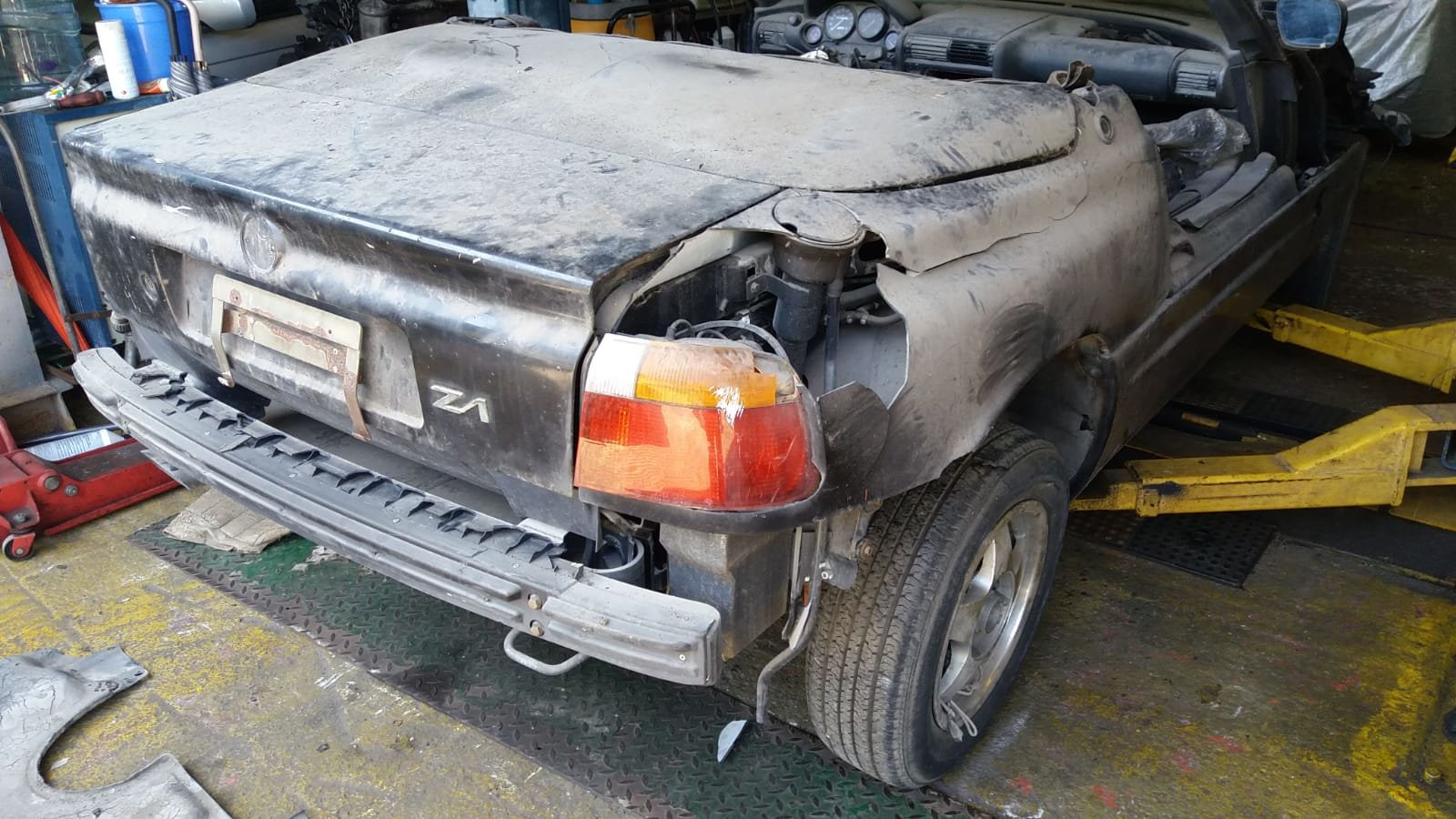 1990 BMW Z1 Breaking salvage parts SOLD (picture 2 of 6)