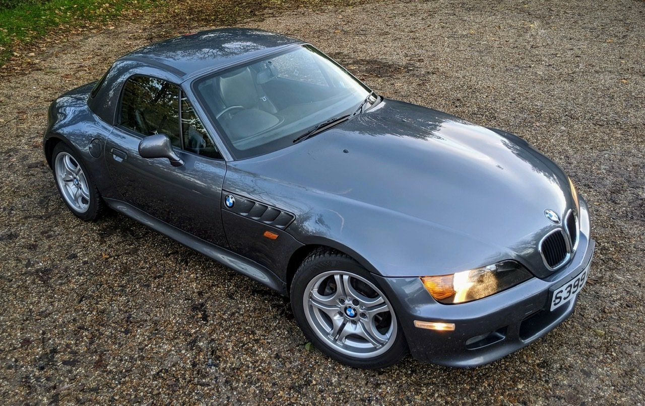 1999 BMW Z3 2.8i manual with factory hardtop For Sale (picture 1 of 6)
