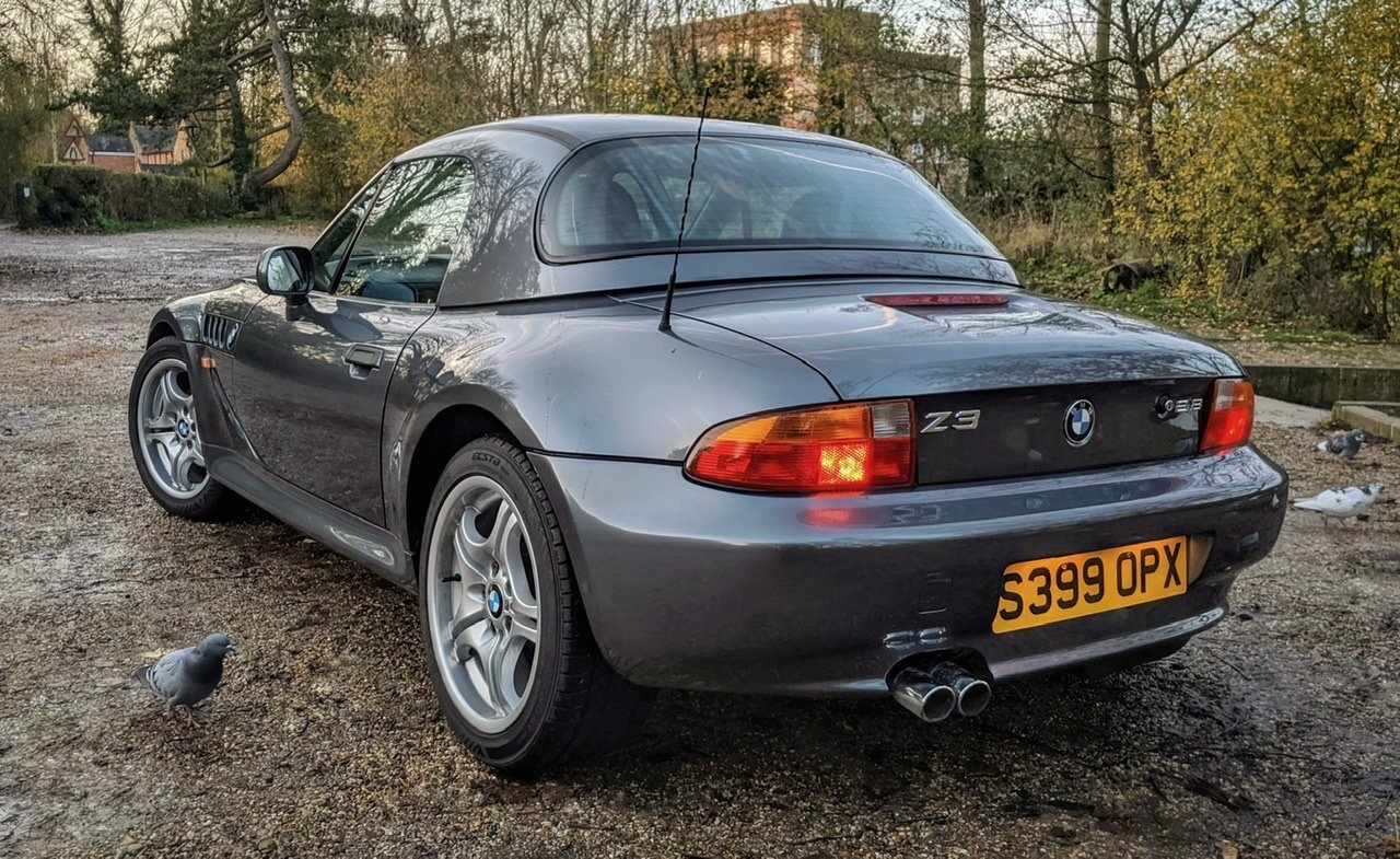 1999 BMW Z3 2.8i manual with factory hardtop For Sale (picture 2 of 6)