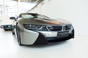 Picture of 2018 almost new i8 Roadster, cutting edge, immaculate SOLD