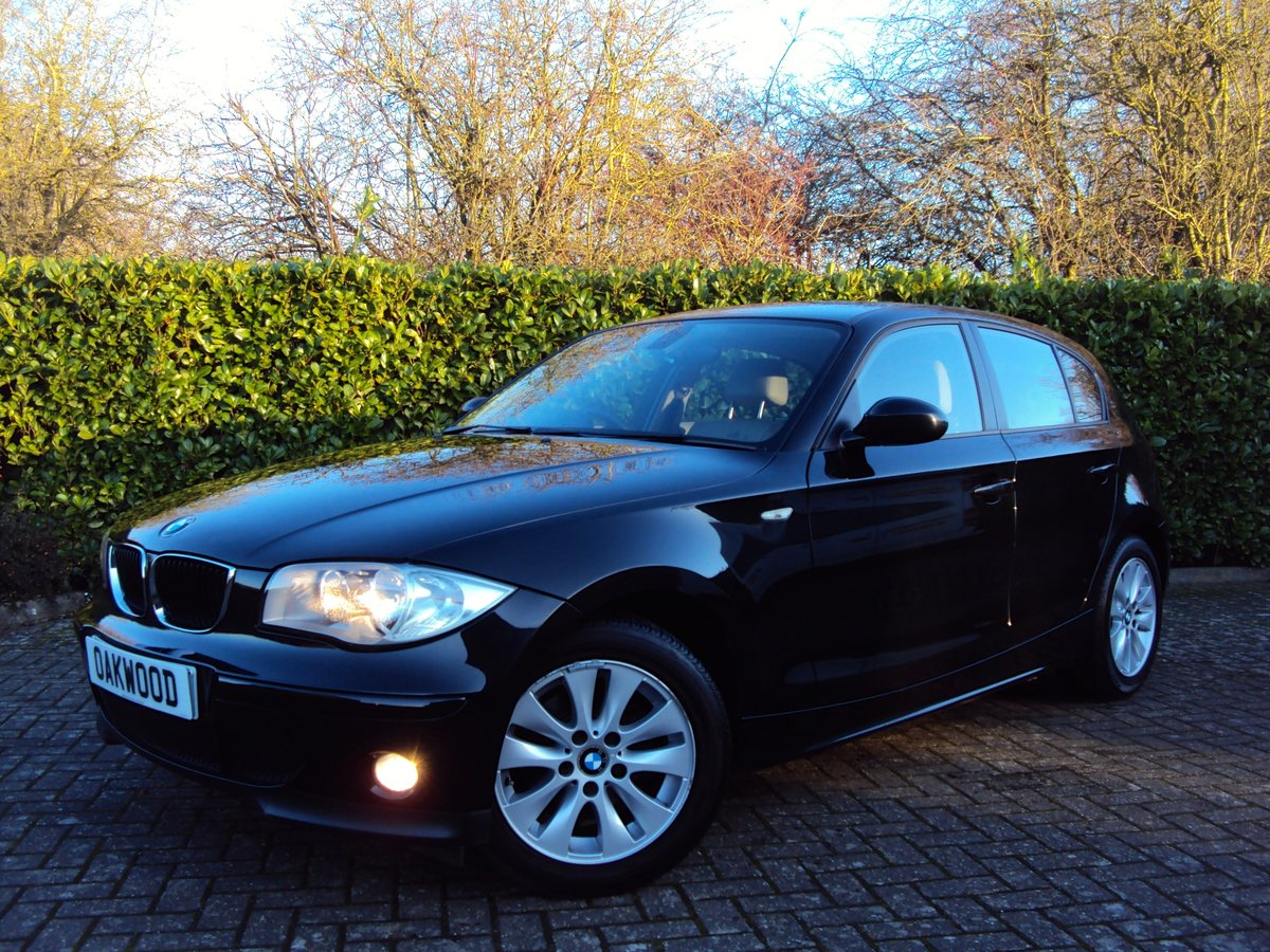 2006 A STUNNING Low Mileage BMW 118i 2.0 SE Automatic - FBMWSH!! For Sale (picture 1 of 6)