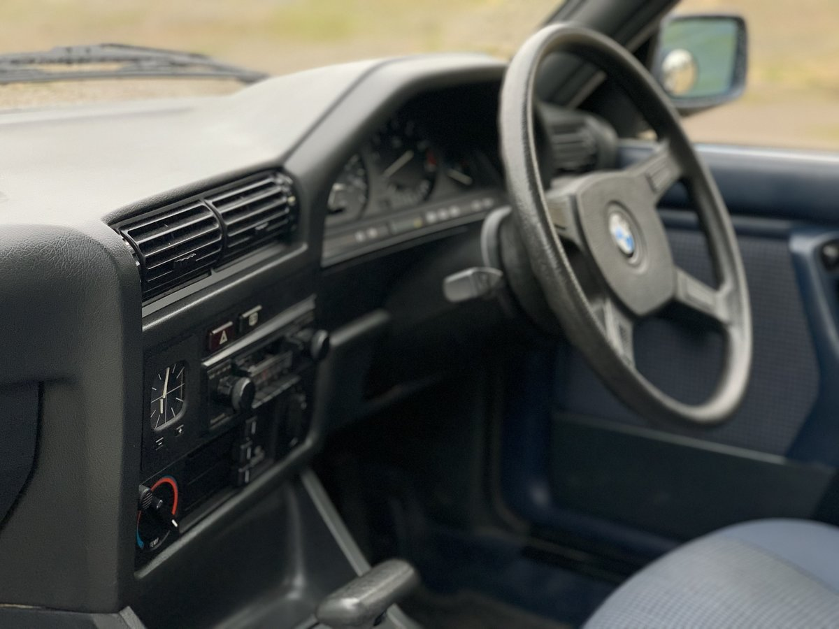 1987 BMW 320i Auto E30 One family ownership since new  SOLD (picture 3 of 6)
