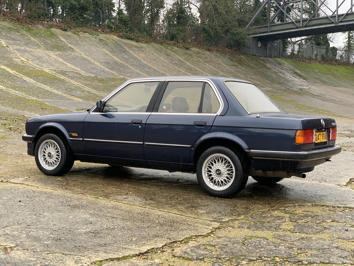 1987 BMW 320i Auto E30 One family ownership since new  SOLD (picture 4 of 6)