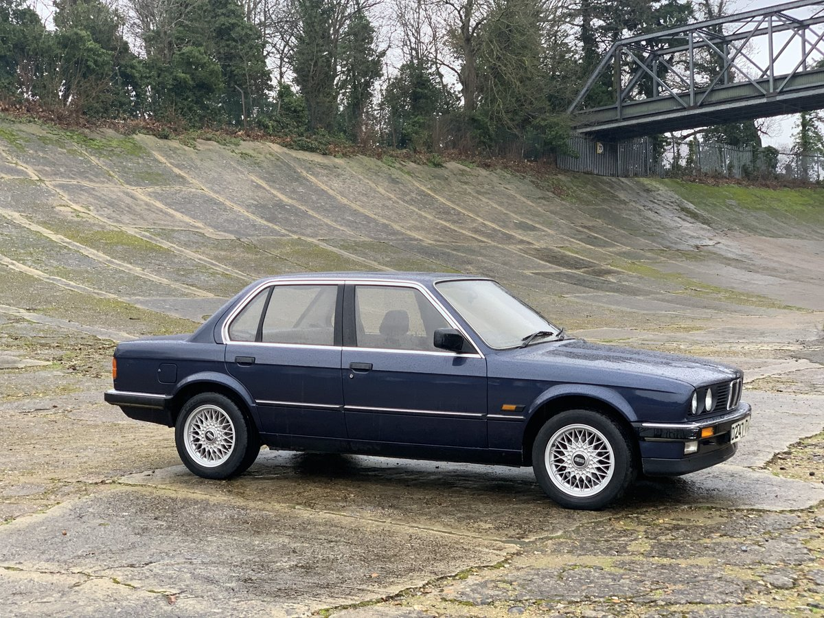 1987 BMW 320i Auto E30 One family ownership since new  SOLD (picture 5 of 6)