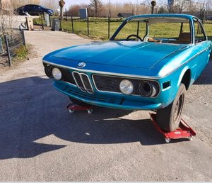BMW 3.0CSi E9 Turkis Blue  Restoration / Race Car Build