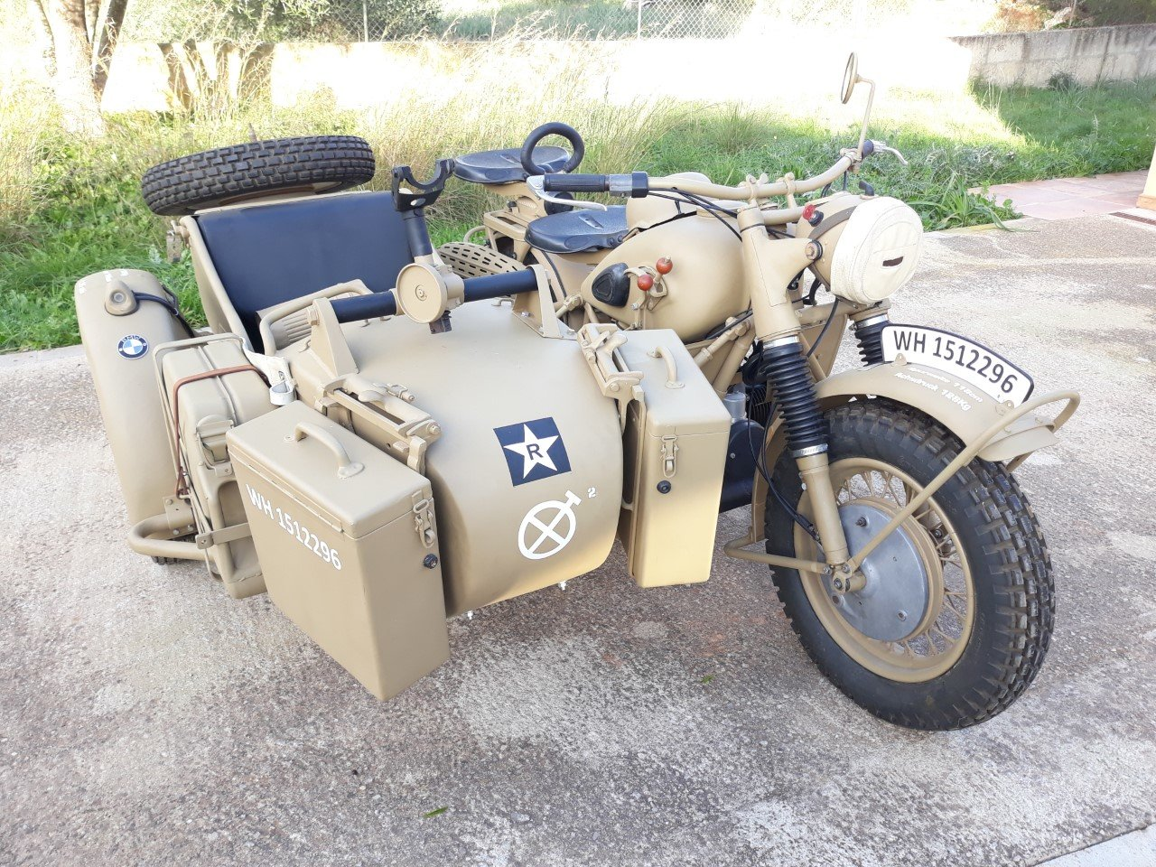 Picture of 1943 BMW R75 Afrika Korps Military Sidecar -f. restored For Sale