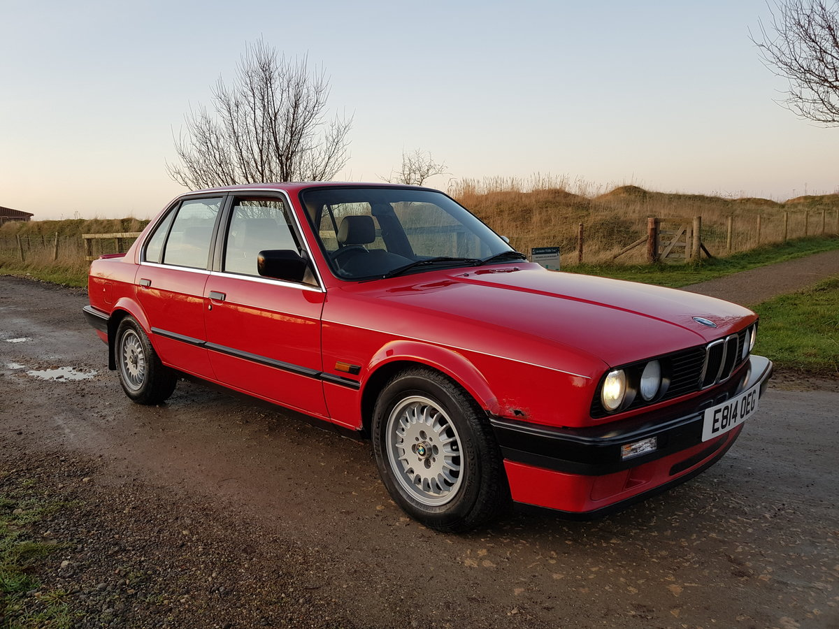1988 BMW E30 320i Saloon Facelift For Sale (picture 1 of 6)