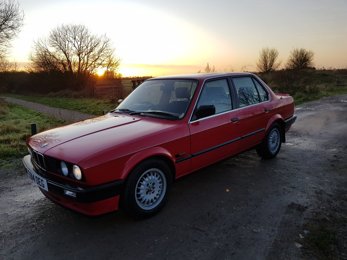 1988 BMW E30 320i Saloon Facelift For Sale (picture 2 of 6)