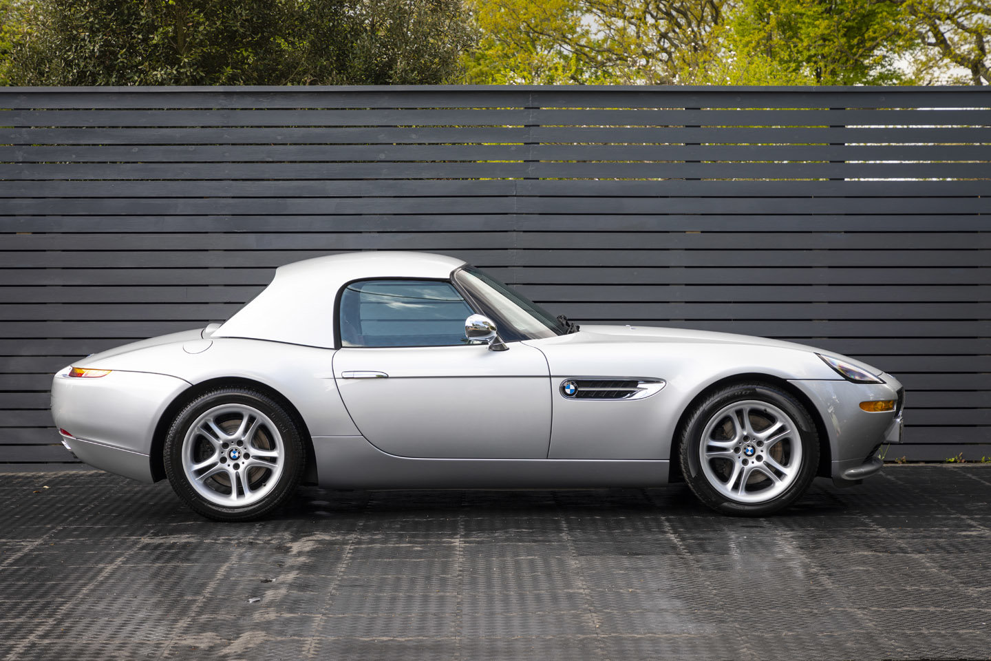 2001 BMW Z8 Roadster ONLY 10500 MILES UK CAR For Sale (picture 5 of 22)