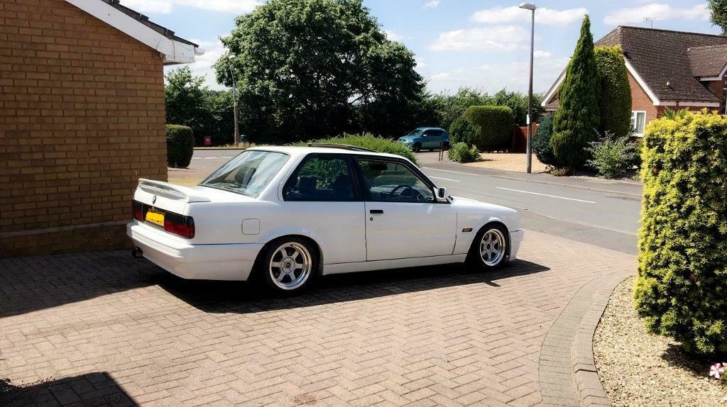 1990 BMW e30 318is with S50B32 For Sale (picture 2 of 6)