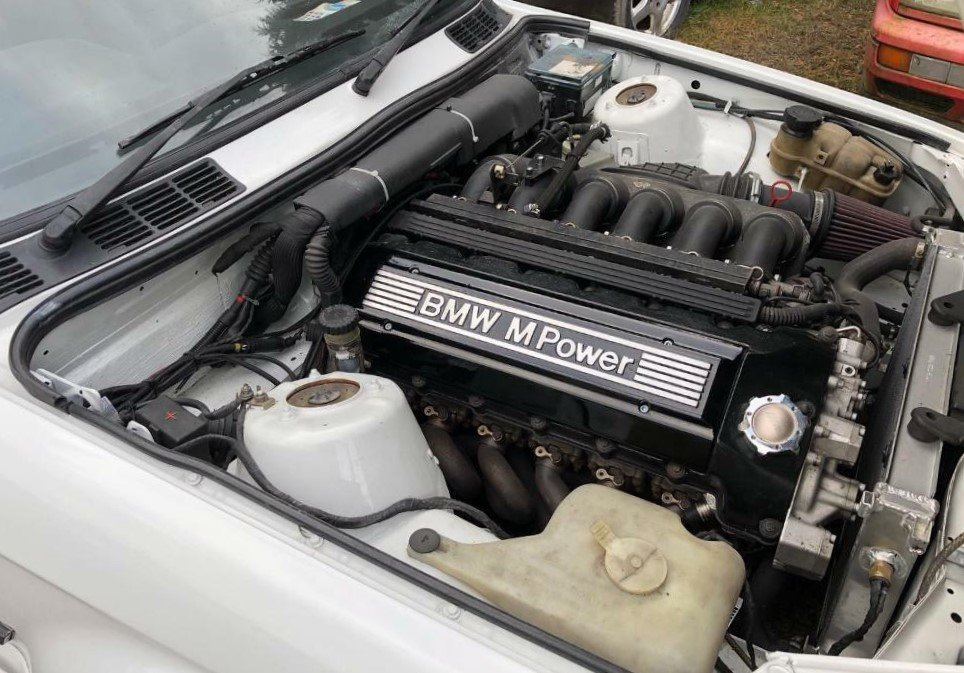 1990 BMW e30 318is with S50B32 For Sale (picture 5 of 6)