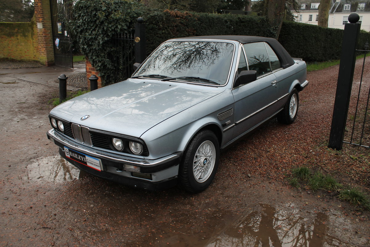1990 BMW 320i Automatic Convertible E30 With S/History File & MoT SOLD (picture 2 of 6)