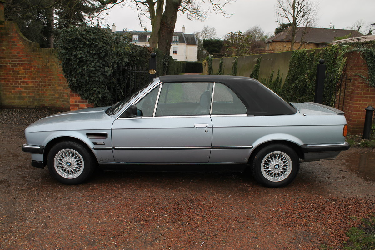 1990 BMW 320i Automatic Convertible E30 With S/History File & MoT SOLD (picture 3 of 6)