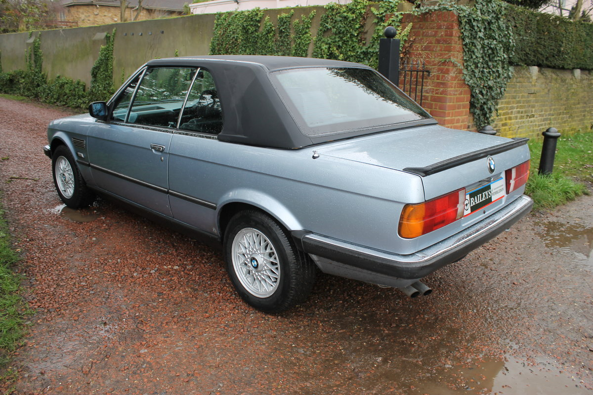 1990 BMW 320i Automatic Convertible E30 With S/History File & MoT SOLD (picture 4 of 6)