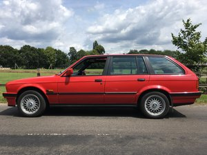 BMW E30 Touring 325i manual