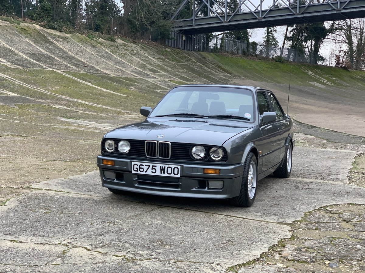 1989 BMW 325i Sport Mtech 2 E30 -DEPOSIT TAKEN- SOLD (picture 1 of 6)