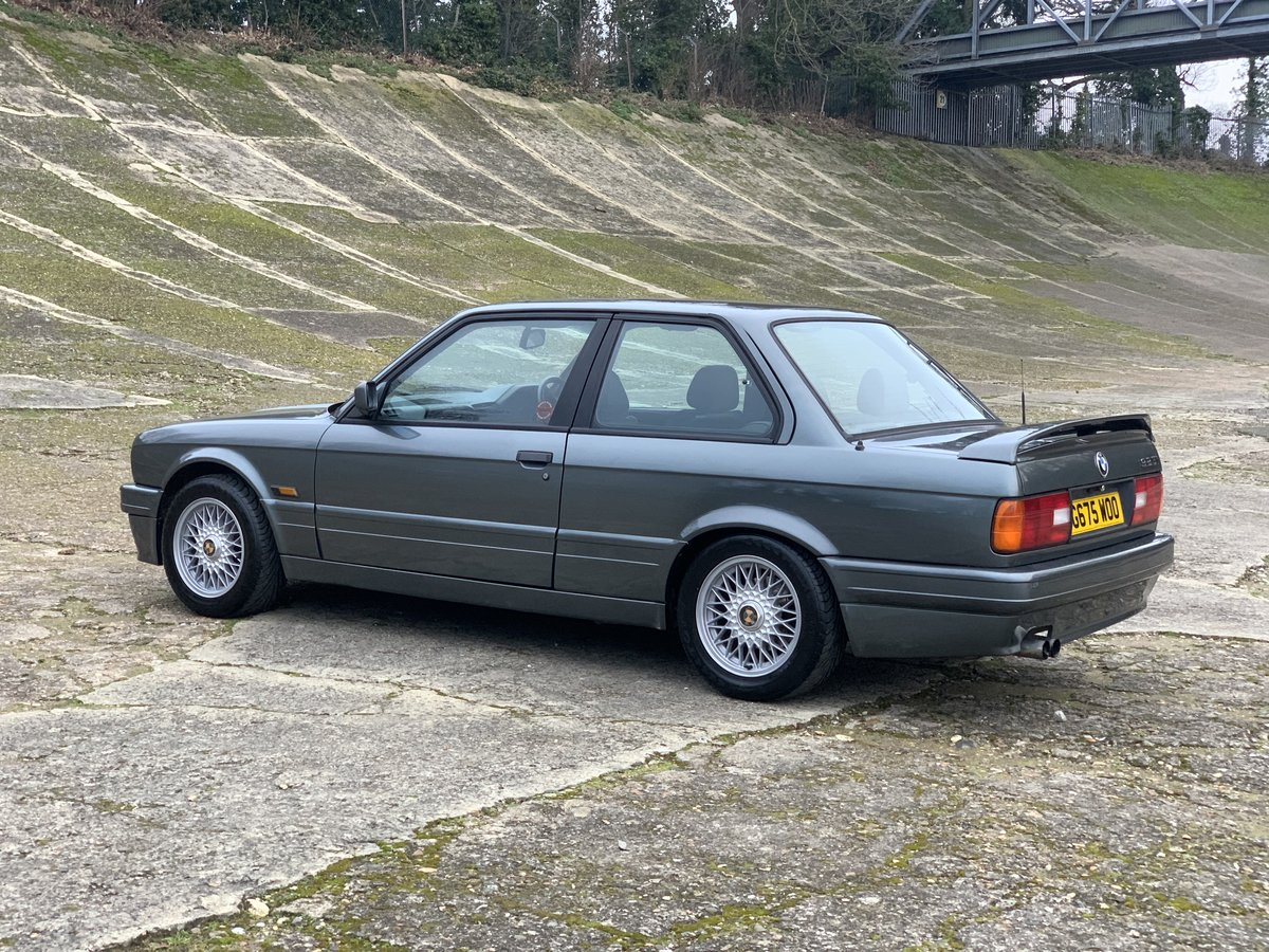 1989 BMW 325i Sport Mtech 2 E30 -DEPOSIT TAKEN- SOLD (picture 2 of 6)