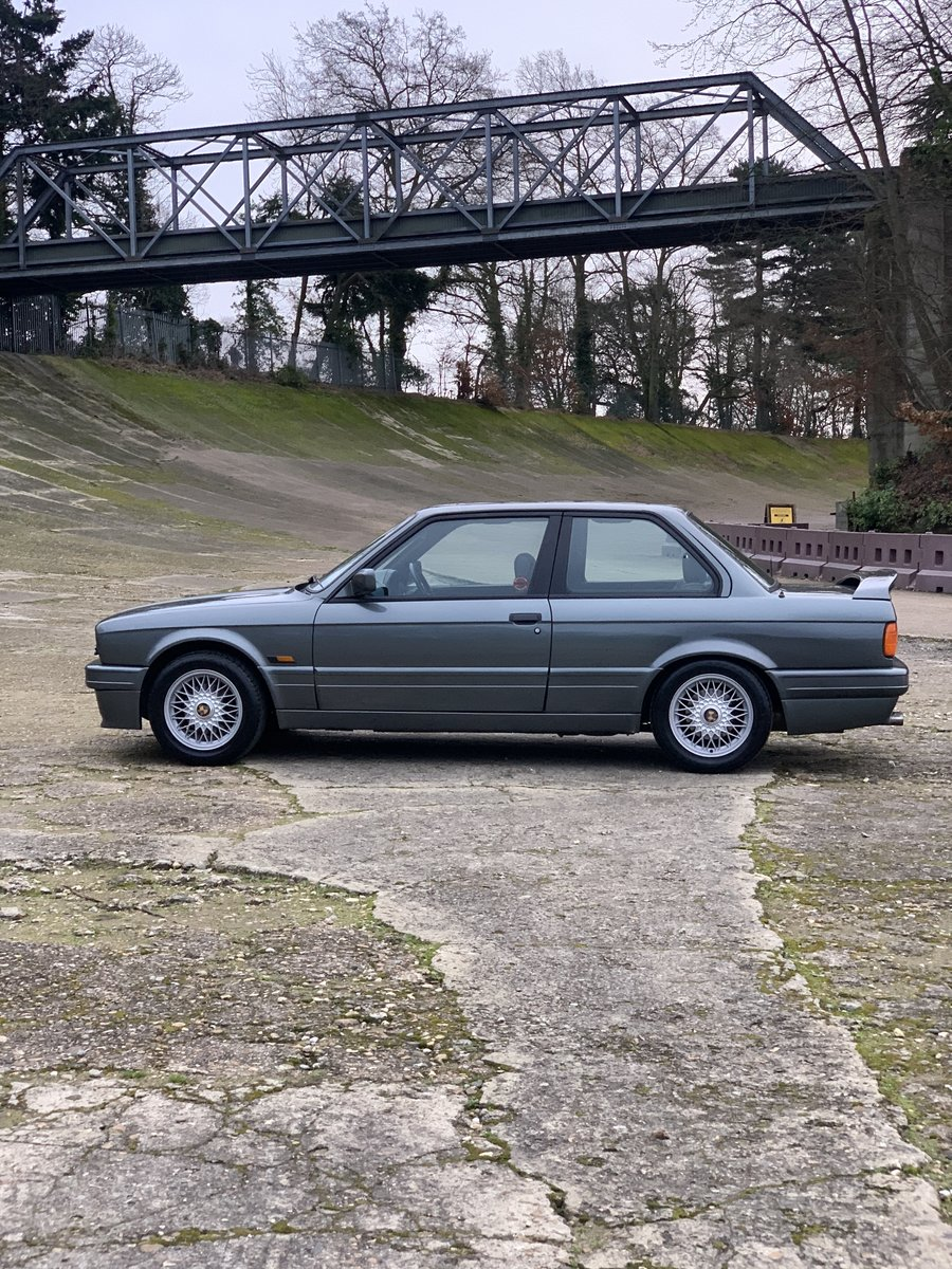 1989 BMW 325i Sport Mtech 2 E30 -DEPOSIT TAKEN- SOLD (picture 3 of 6)