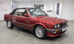 1990 BMW 325i Convertible (E30)