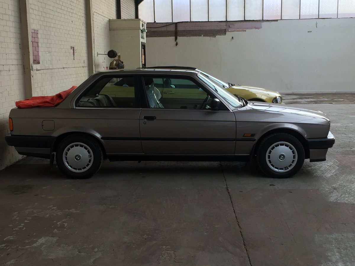 1989 316i e30 probably the lowest mileage in the country For Sale (picture 2 of 4)