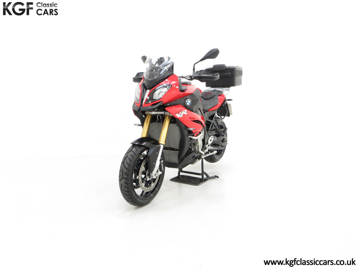 2016 An Exceptional BMW S 1000 XR SE with Just 164 miles SOLD (picture 2 of 6)