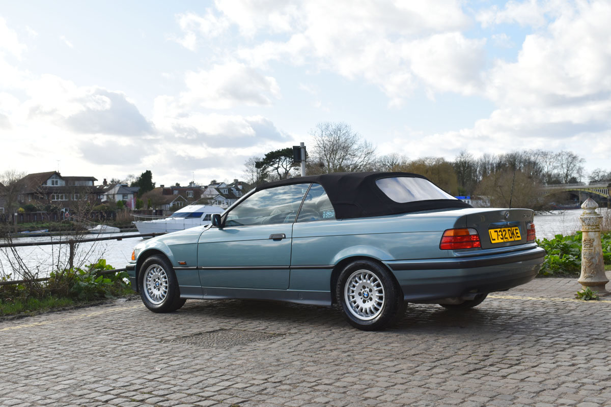 1993 BMW 325i Convertible 22 Feb 2020 For Sale by Auction (picture 2 of 6)