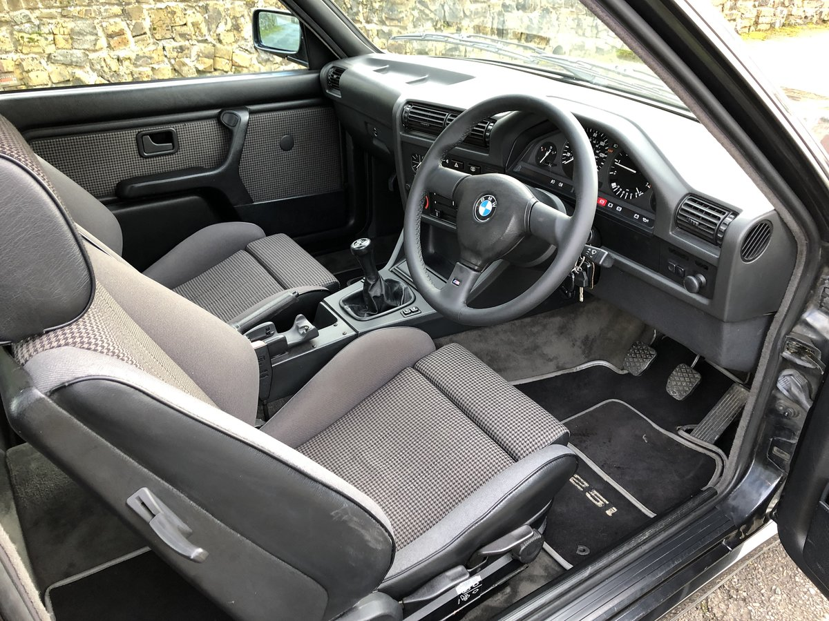 1987 BMW E30 325i Sport Tech 1 For Sale (picture 5 of 6)