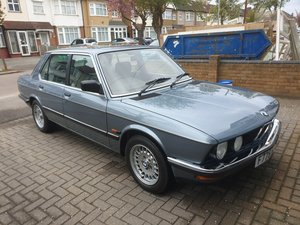 Bmw e28  525e blue auto view the dross then view m