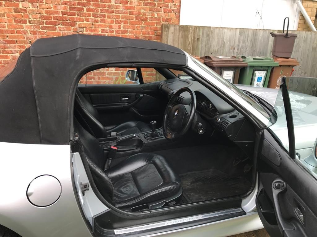 1999 BMW Z3 2.8 litre Silver wide bodied convertible For Sale (picture 5 of 6)