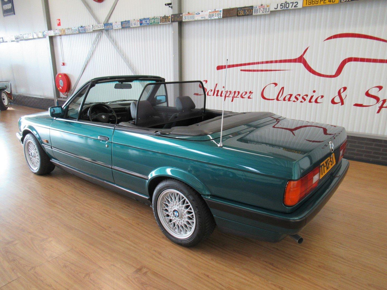 1992 BMW 318i E30 Cabrio For Sale (picture 3 of 6)