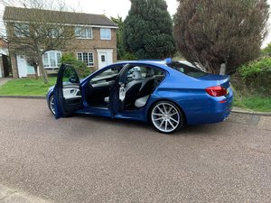 2013 BMW M5 F10 v8 twin turbo -- facelift model -- f/ BMW/s/h For Sale