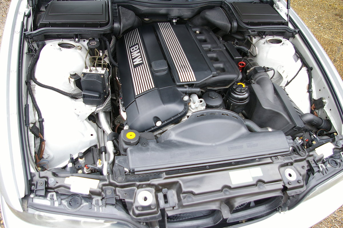 2003 BMW E39 525i LTD Edition Touring (42,639 miles) For Sale (picture 6 of 6)