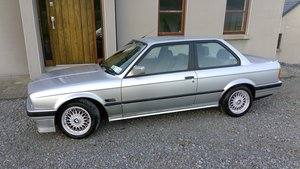 1990 E30 318iS