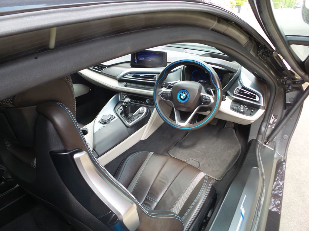 2015 BMW  I8  I8  39,948 For Sale (picture 6 of 20)