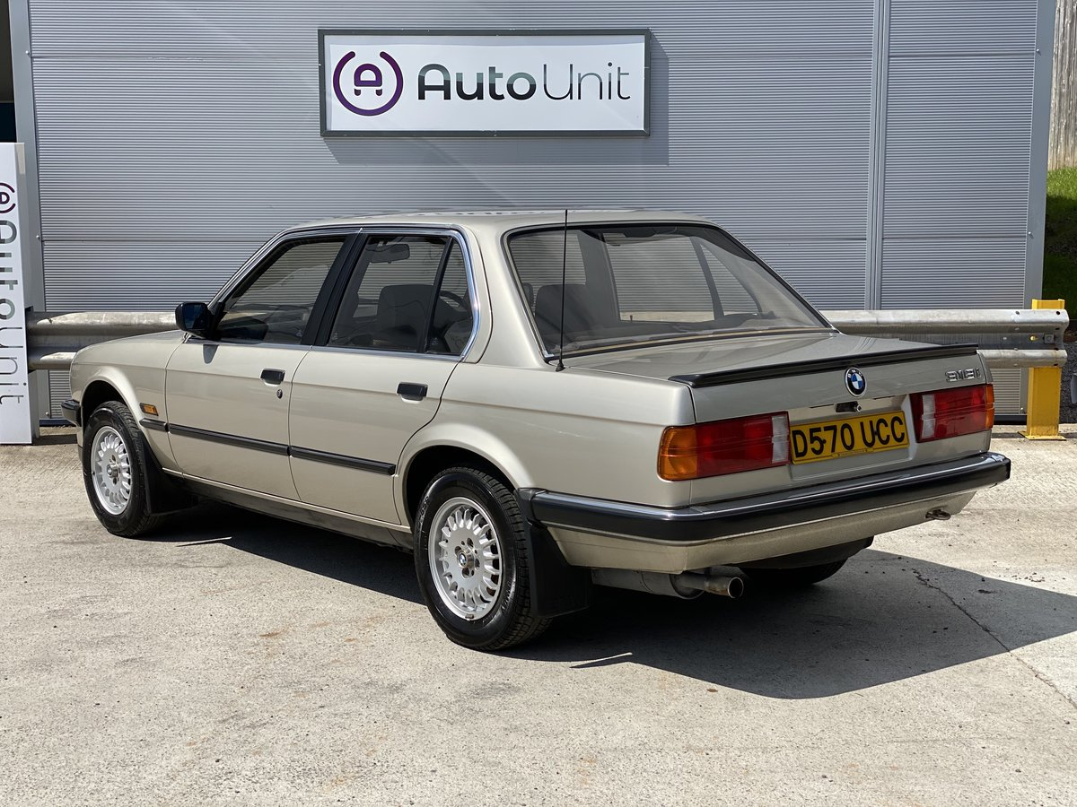 1986 BMW 318i E30 -  ONLY 41K MILES STUNNING CONDITION For Sale (picture 4 of 6)