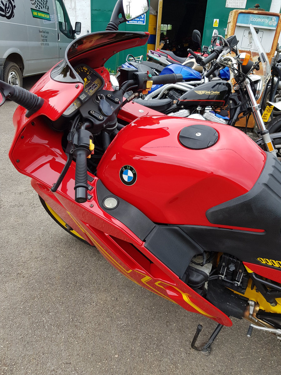 BMW K1 - 1990's Icon - Looking sharp.  Solid Investment. For Sale (picture 2 of 5)
