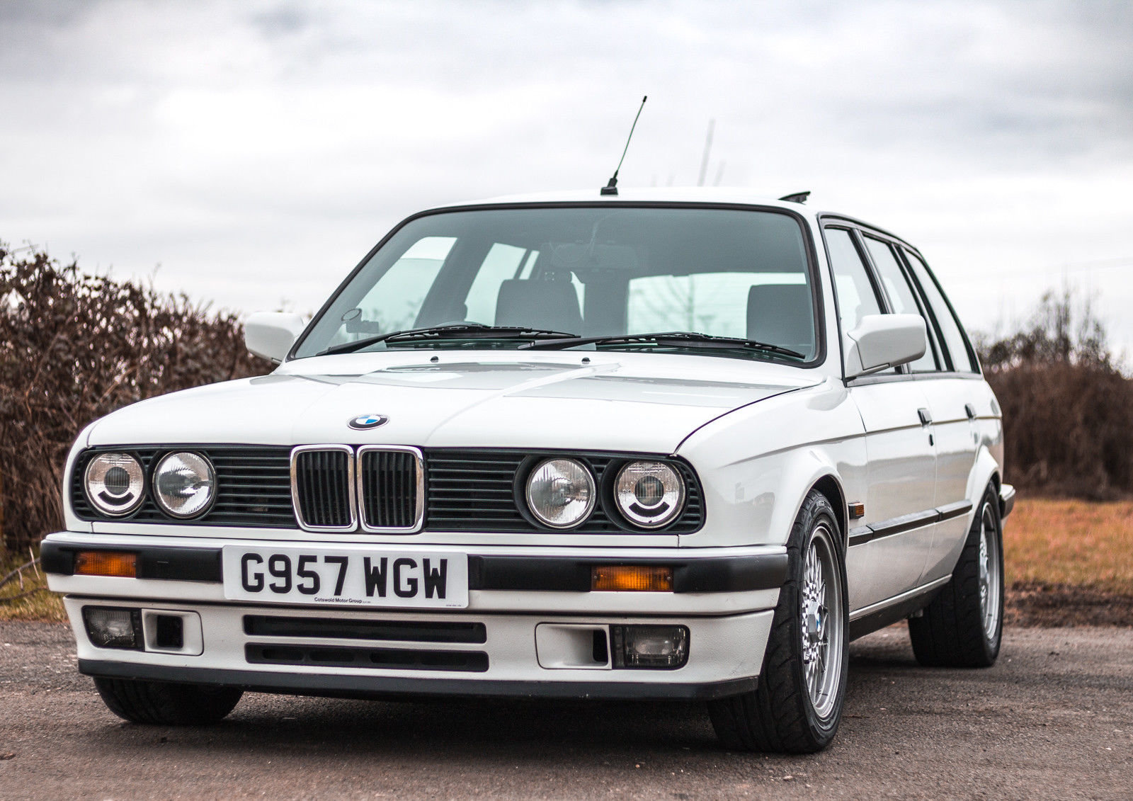1989 520BHP BMW E30 Touring Supercharged V8 'Sleeper' For Sale (picture 2 of 6)