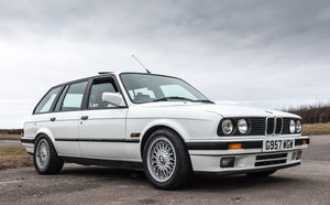 520BHP BMW E30 Touring Supercharged V8 'Sleeper'