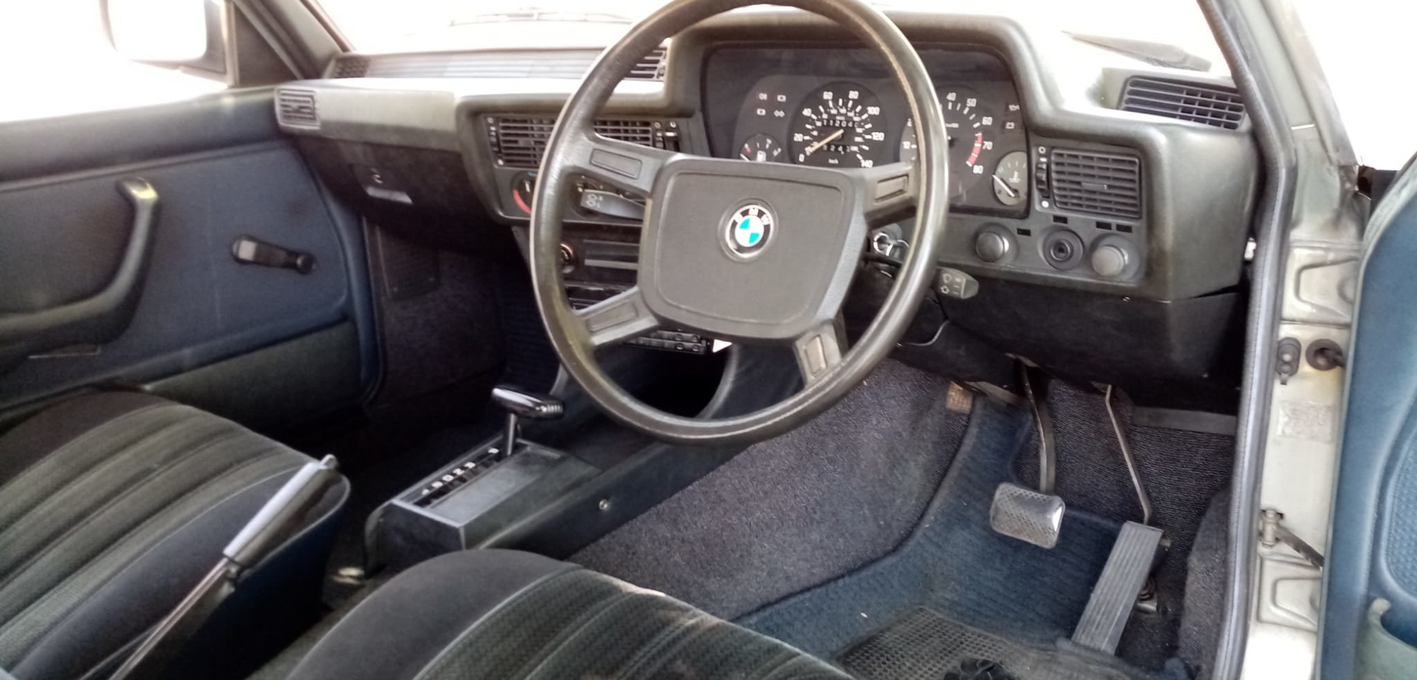 1982 BMW 320/6 e21 AUTO. 2 OWNERS. RHD. PRESERVED  For Sale (picture 2 of 6)
